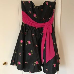 Beautiful Black & Pink Dress w/ Roses